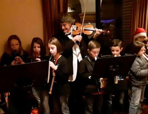 Ketterlinus Elemenary School Record group at Christmas concert